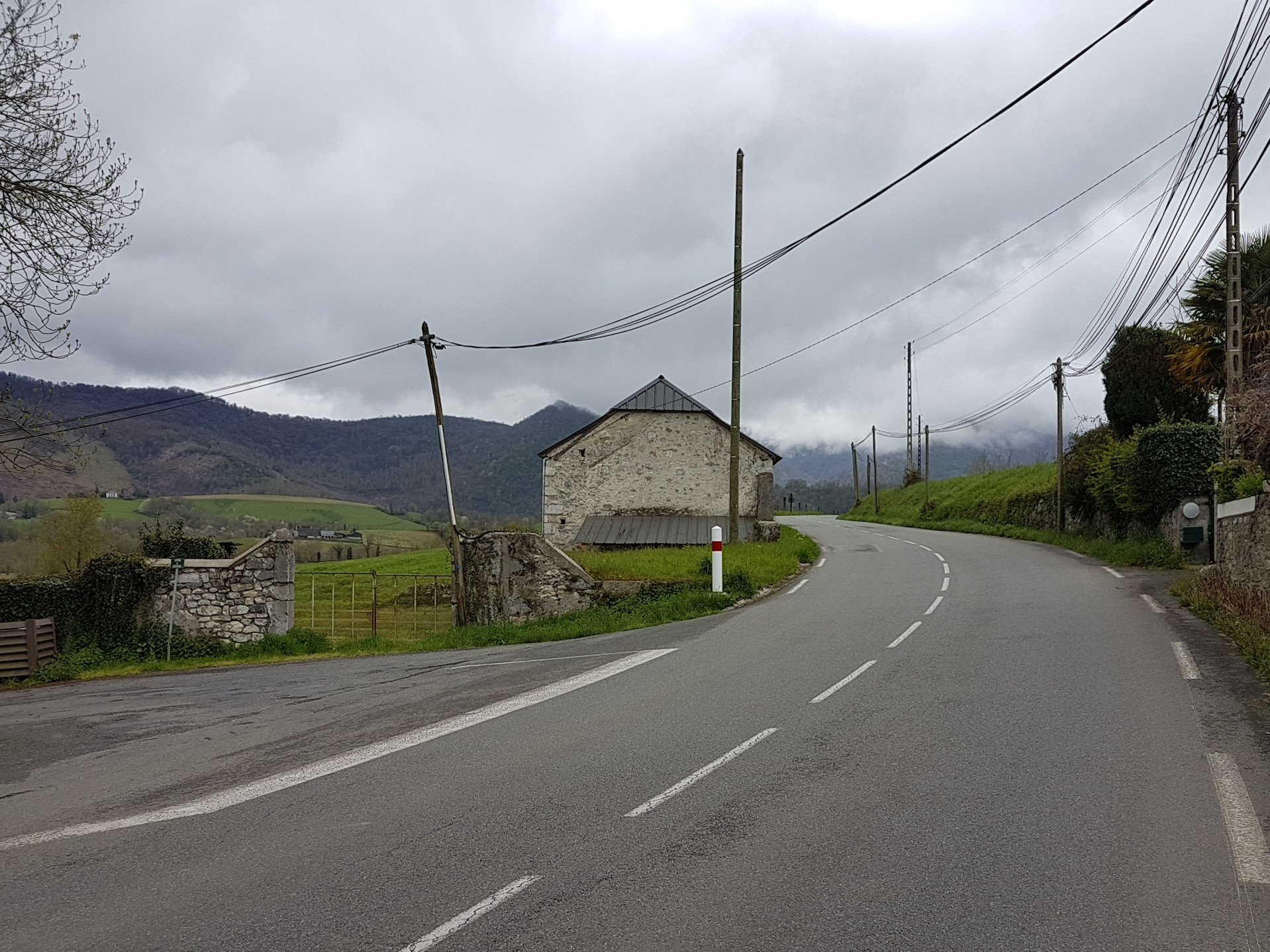 De Lourdes à Arudy sous la pluie (c) Alain Demaret 2018